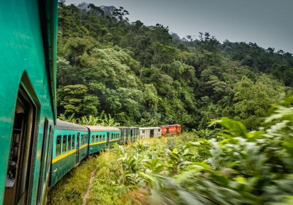 Découvrir autrement Manakara à bord d'un train